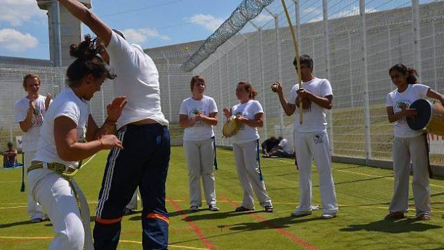 capoeira-et-matches-de-foot-chez-les-detenus